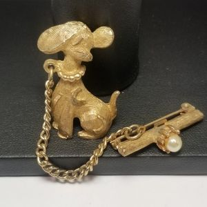 DOG PIN BROOCH CHAIN CORD ATTACHED TO PEARL BONE